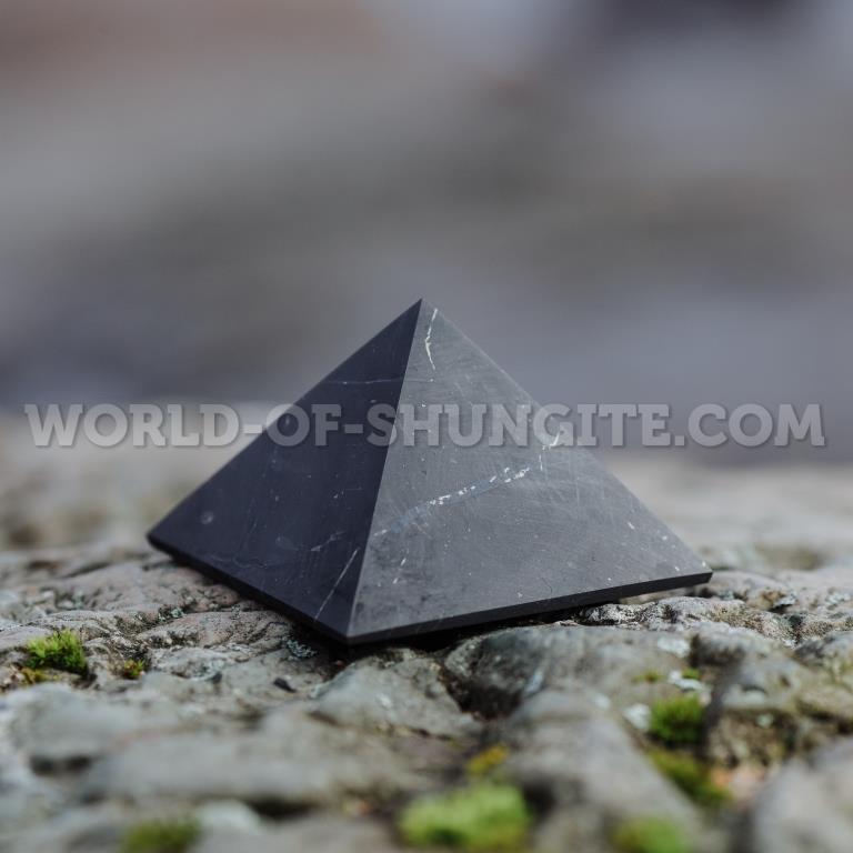 Shungite unpolished pyramid 6 cm