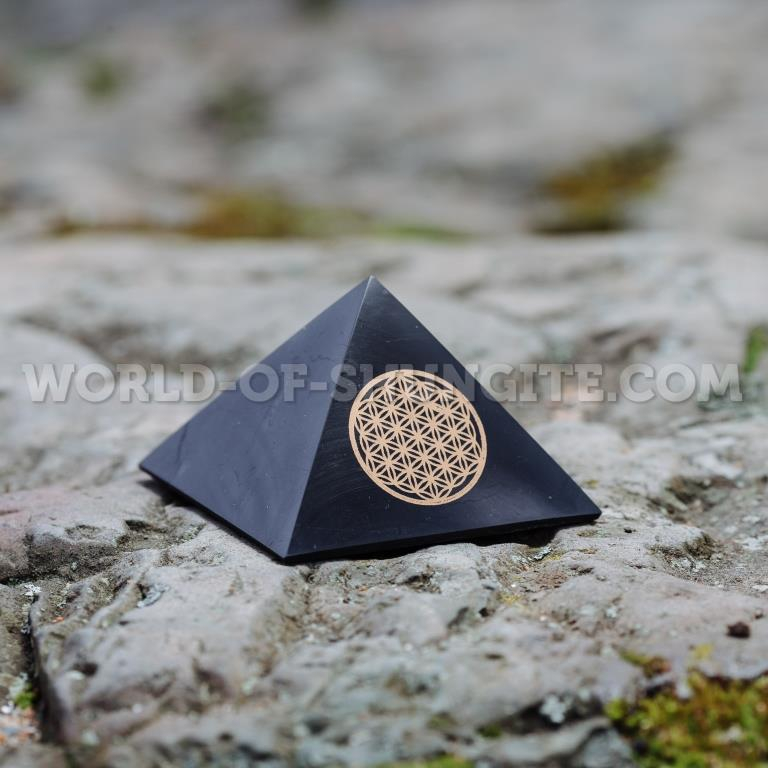 "Shungite pyramid ""Flower of life"" - 7cm"
