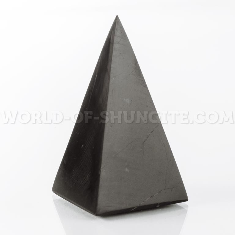 Polished high pyramid 7 cm