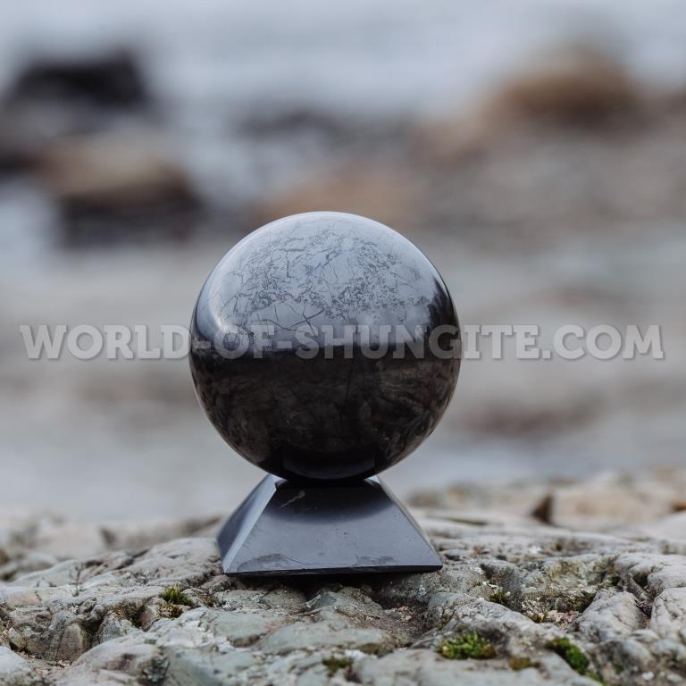 Shungite sphere 3cm