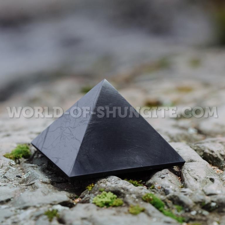 Shungite polished pyramid 3 cm