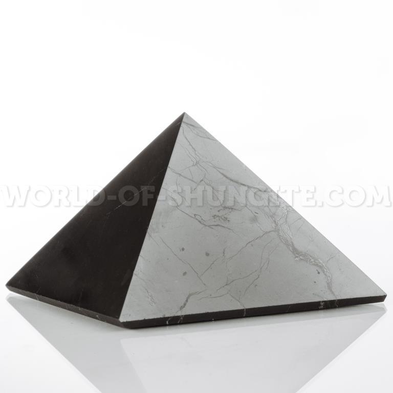 Shungite pyramid for drivers 4 cm