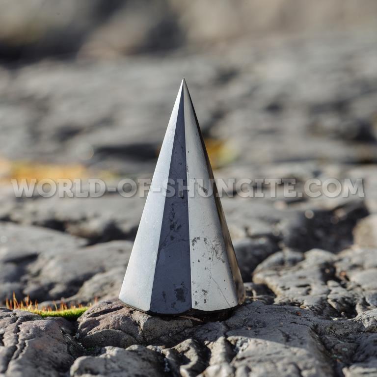Shungite pyramid polished 8-corner, 5 cm