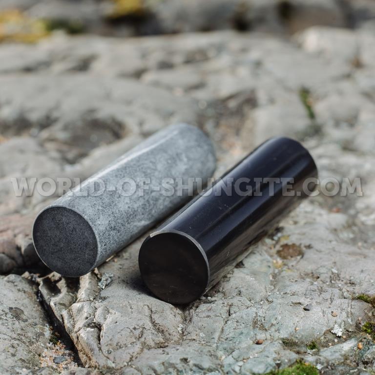 Polished shungite сylinder