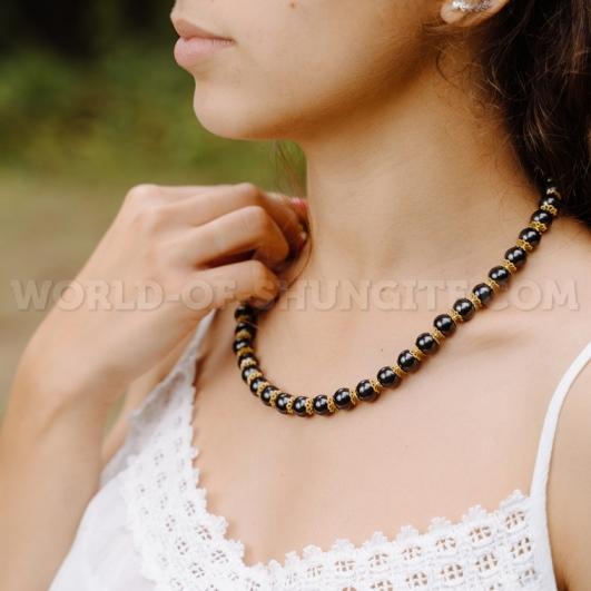 Shungite necklace with goldish roses