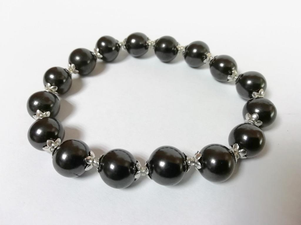 Shungite stretchy bracelet with silvery roses