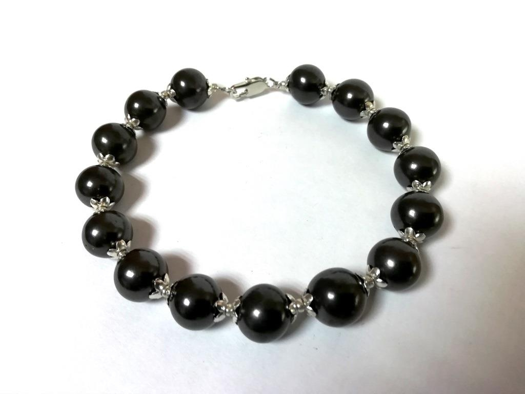 Shungite bracelet with silvery roses and lock