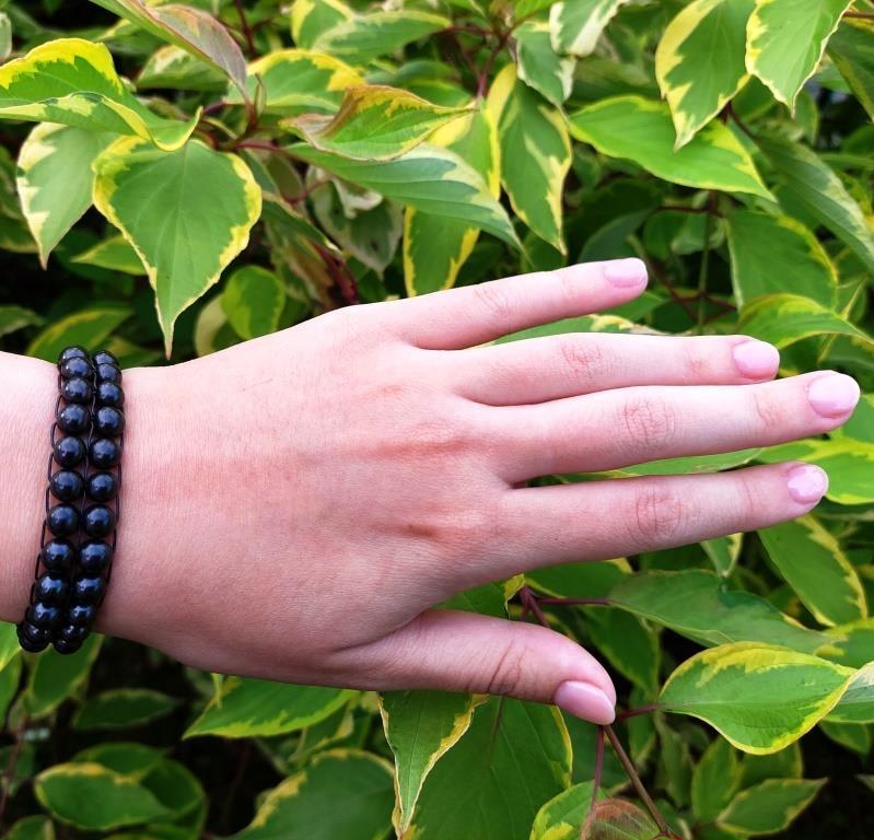 Two-row bracelet made of shungite