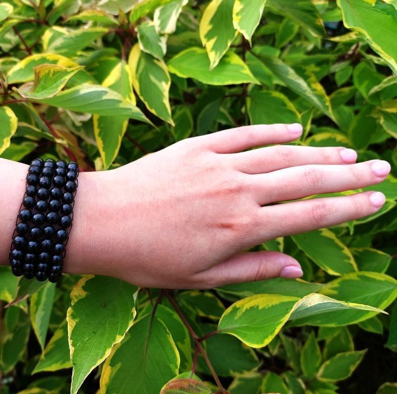 Four-row bracelet made of shungite